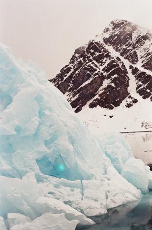 JESSA_G_13_INDISPOSABLECONCEPT_33_SvalbardBurton_2019_IcebergMtn